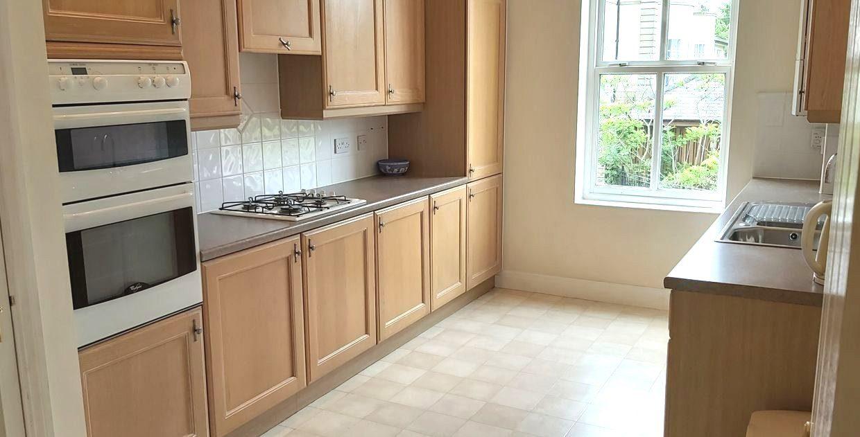 15 Tetley kitchen