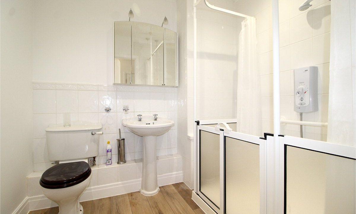 18 Tetley Court Bathroom new