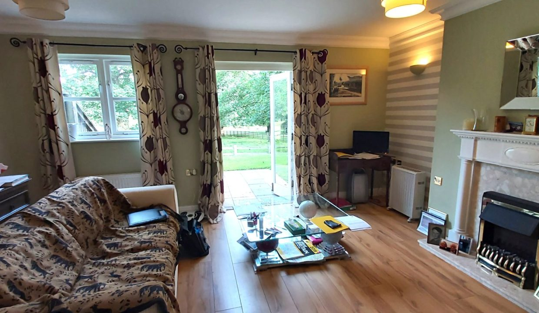 3 lodge lounge